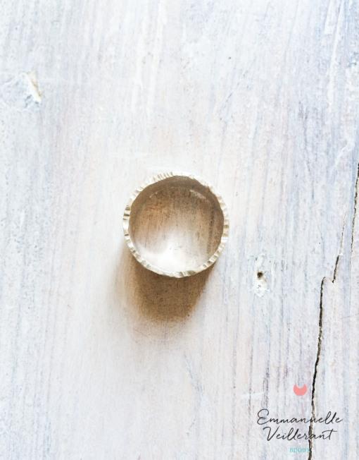 Anneau large 1 cm martelé argent massif 925